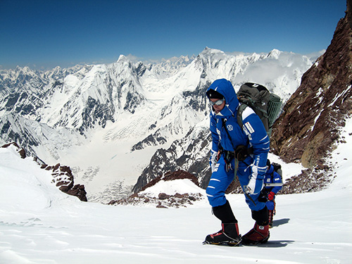Alberto Iñurrategi ascending the summit of Gasherbrum II, in the Himalayas, in 2010. PHOTO: TERNUA