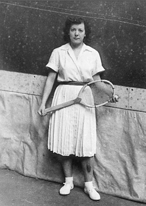 María Carmen Lasagabaster, Amaia, from Eibar (province of Gipuzkoa), in Barcelona around 1950.