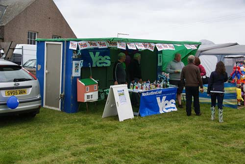 The 'Yes Scotland' Campaign in Scotland | Photo by Bill Boaden. Creative Commonds