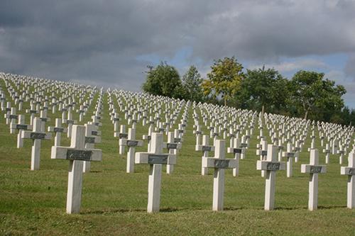 Craonnelle Cemetery, on the Chemin des Dames    Photo by Eneko Bidegain