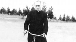 Jose Arizmendiarreta bika and cassock