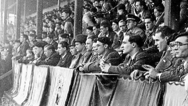 The precedent of February 1937. Lehendakari Agirre and his government attend the match between PNV and ANV in Bilbao