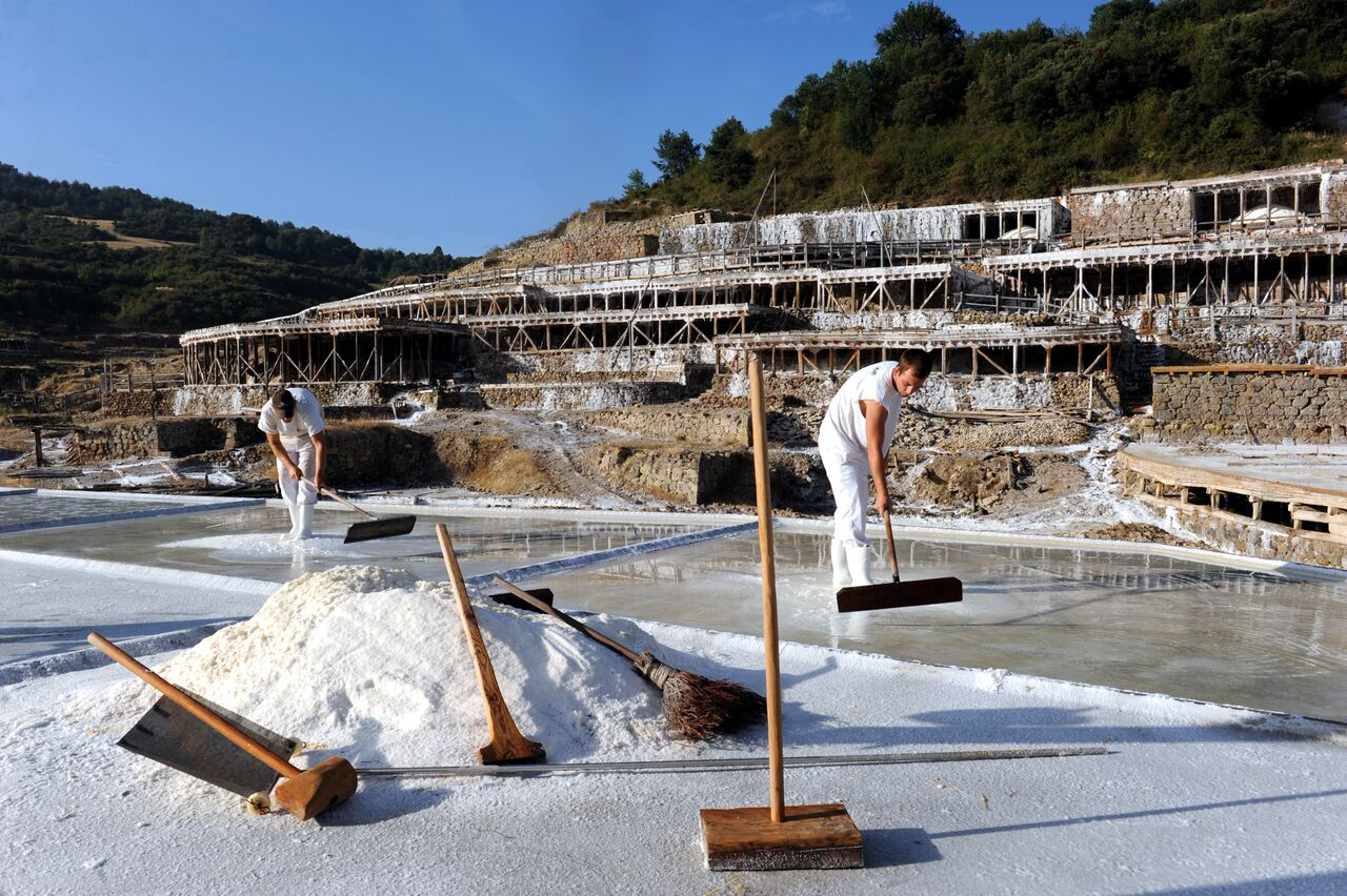 Salt Valey workers